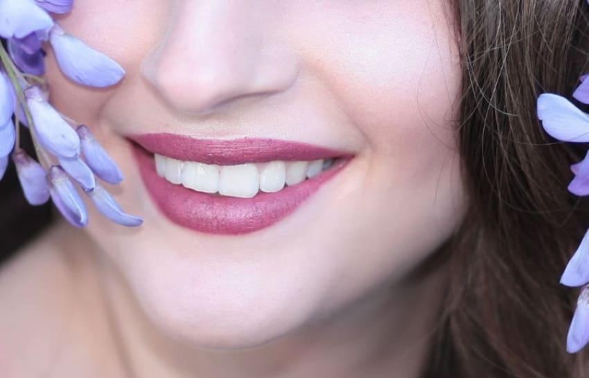 Come mantenere i denti bianchi dopo lo sbiancamento